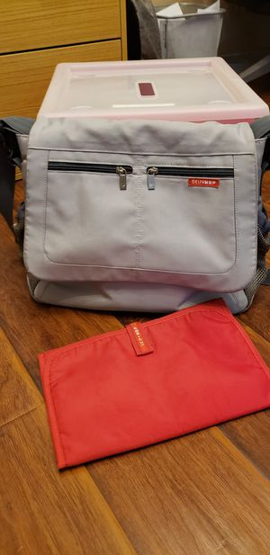 Skip hop diaper messenger bag for Sale in Chandler, AZ