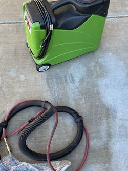 Mosquito 3 Gallon Carpet Extractor New for Sale in Henderson,  NV
