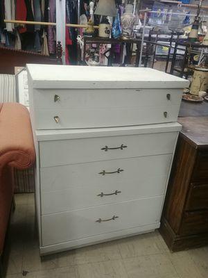 Dresser for Sale in Waynesboro, VA