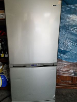 Samsung Stainless Refrigerator/Freezer for Sale in Prattville, AL