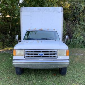 F-350 Box Truck With Hydraulic lift for Sale in Mount Wolf, PA