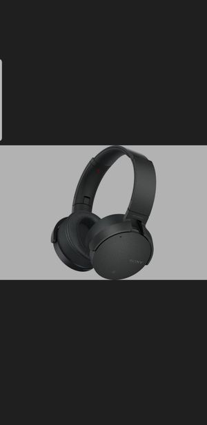 SONY MDR wireless headphones.......... super nice for Sale in Richmond, CA