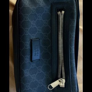 Gucci Black Zip Top GG Canvas Crossbody for Sale in Hollywood, FL