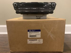 Hyundai Genesis Navigation Head unit for Sale in Lake in the Hills, IL