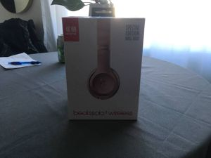 BEATS SOLO 3 Wireless Rose Gold for Sale in Portland, OR