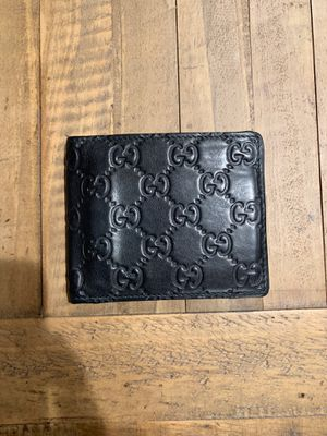 Gucci leather wallet for Sale in Temecula, CA
