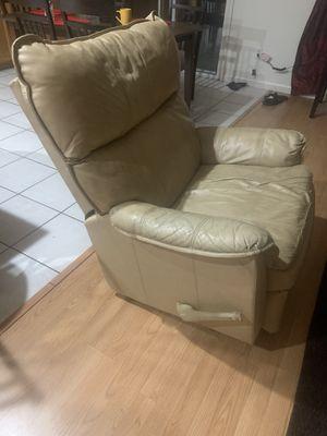 Sillón reclinable for Sale in Acampo, CA