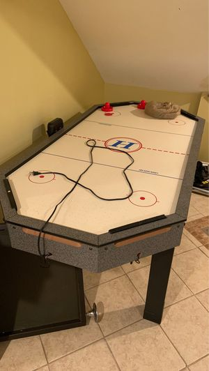 Air hockey table $50 for Sale in Chicago, IL