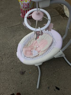 Fisher price baby swing for Sale in Columbus, OH