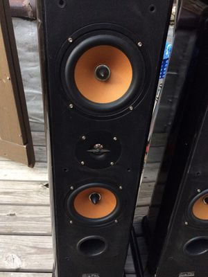 Digital Audio tower speakers for Sale in Chicago, IL