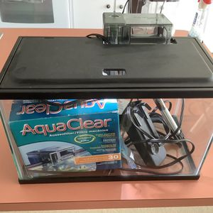 5 Gallon Fish Tank Aquarium With Good Filter Heater Lighted Cover for Sale in Tampa, FL