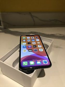 iPhone XS Max // iCloud Unlocked // Factory Unlocked for, Excellent Condition like New for Sale in VA,  US