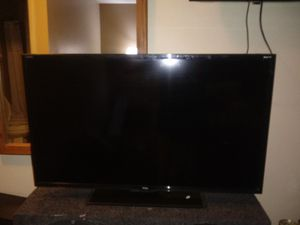 TCL 32in roku smart tv for Sale in Lincoln, NE