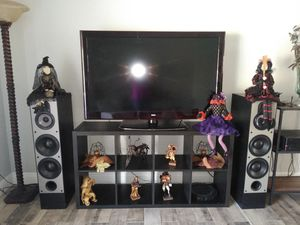 50 inch tv with stand works perfect for Sale in Orlando, FL