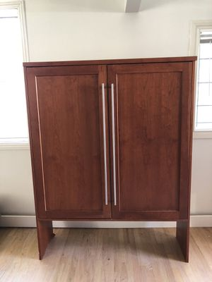 Brookhaven cherry china / kitchen cabinet for Sale in Los Angeles, CA