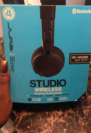 Wireless headphones for Sale in Ocoee, FL