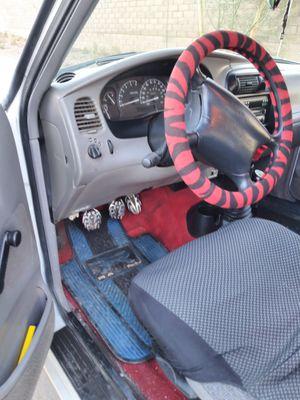 Ford Ranger modelo 98 millas 105 standar todo le jala muy bien $3300 o la convio por automitic título limpio for Sale in Phoenix, AZ