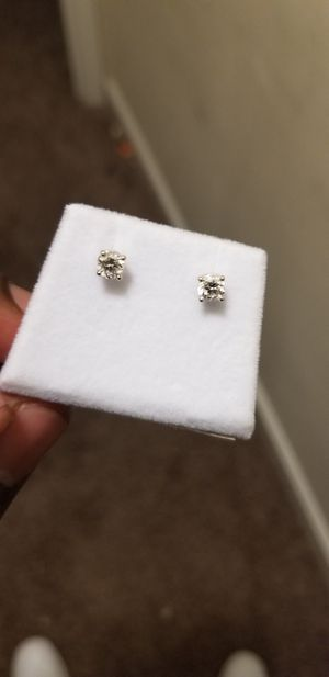 14k .50carat diamond studs earrings for Sale in Lanham, MD