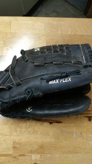 Mizuno baseball glove for Sale in Seattle, WA