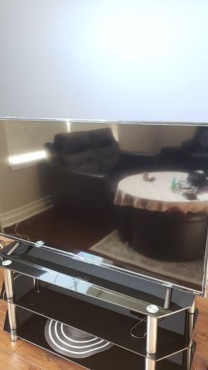 """TCL ROKU TV 55"""" INCH Ultra HD 4K TV! Works perfectly fine! for Sale in Streamwood, IL"""