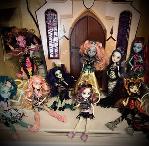Monster high dolls in like new condition for Sale in La Vergne, TN