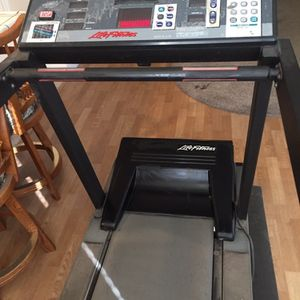 Gym quality treadmill price is not firm for Sale in Escalon, CA
