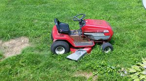 Ride on lawn mower Lawn Chief 14.5 horsepower for Sale in Nashua, NH