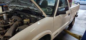 2000 Chevy S10 4.3lt for Sale in Marietta, GA