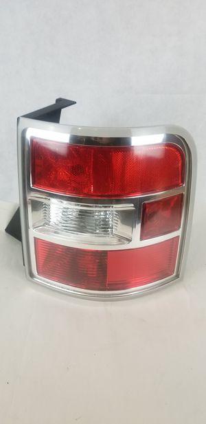 ✅ 09 10 11 2009-2011 Ford Flex Tail Light Right PASSENGER Side OEM Gray border for Sale in Fort Lauderdale, FL