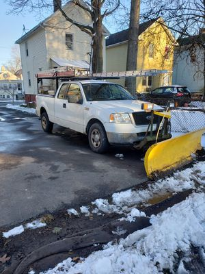 05 FORD F150 4X4 WITH PLOW $5,800 OBO for Sale in West Haven, CT