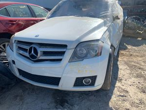 2010 MERCEDES GLK350 FOR PARTS PARA PARTES for Sale in Houston, TX