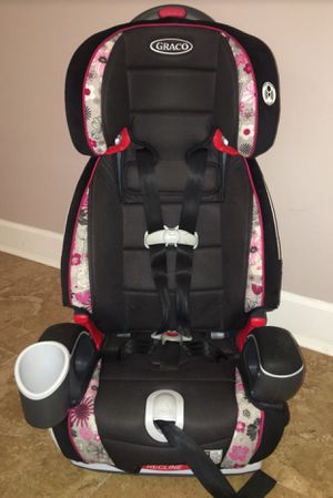 Black & Pink Graco Argos 70 Car Seat / Booster Seat for Sale in Snellville, GA