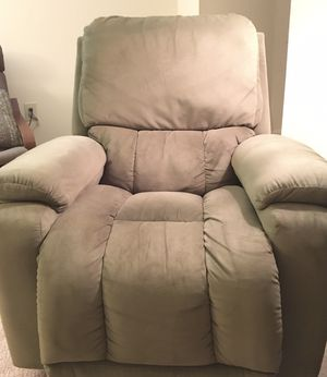 LaZ-Boy Recliner. Olive Green for Sale in Washington, DC