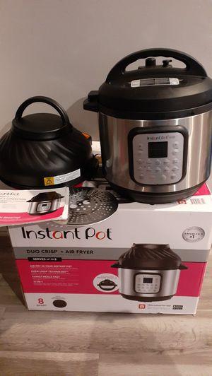 Instant Pot 8qt Duo Crisp Pressure Cooker & Air Fryer Combo (Price is Firm) for Sale in Gardena, CA