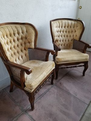 BOHO TUFTED CHAIRS GOOD CONDITION READY FOR A WEDDING OR SHOWER . PRICE IS FIRM. for Sale in Bakersfield, CA