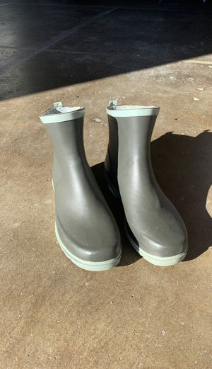 Women's size 10 Rain Boot for Sale in San Diego, CA