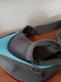 Dog / Cat Pet Travel Carrier Backpack for Sale in Zephyrhills,  FL
