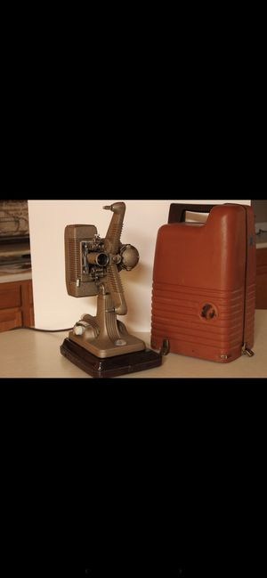 Revere & lebelle film and slide projectors, working and in amazing condition for Sale in Surprise, AZ