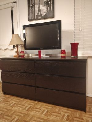 "Nice Black long dresser/TV stand with big drawers in great condition, all drawers sliding smoothly, pet free smoke free. L63""*W19""*H30"" for Sale in Annandale, VA"