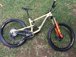 Santa Cruz Hightower LT CC 2019 for Sale in Orange, CA