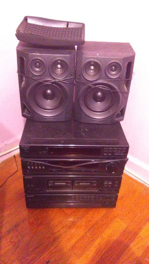 Sony stereo system with two awia speakers for Sale in Denver, CO