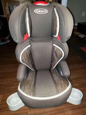 Graco toddler 2in1 turbobooster highback car seat and turbobooster backless car seat. Both with bottle holder. In very good condition. for Sale in Englewood, CO