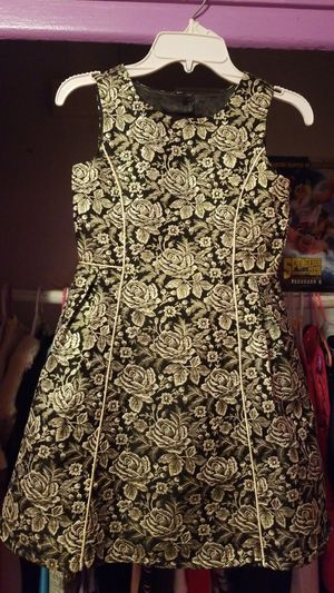 Gold and black floral dress size 6X/7 for Sale in Los Angeles, CA