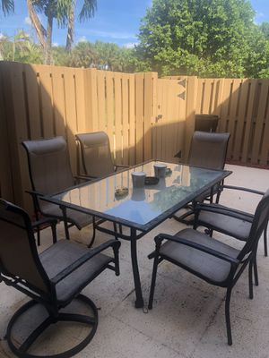 6 piece outdoor dining table for Sale in Palm Beach Gardens, FL