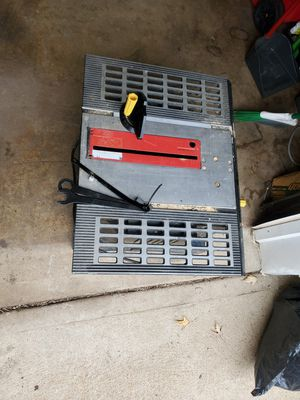 Harbor freight table saw works great for Sale in St. Louis, MO