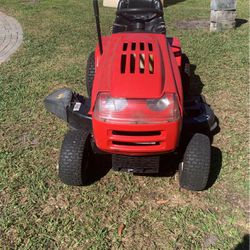 Husky riding lawn tractor for Sale in Winter Haven,  FL