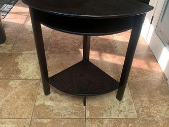 Corner End table for Sale in San Bernardino,  CA