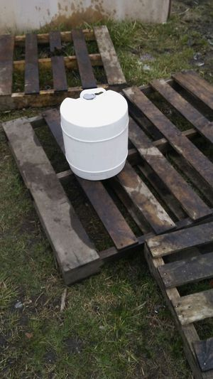 3 gallon plastic containers for sale for Sale in Detroit, MI