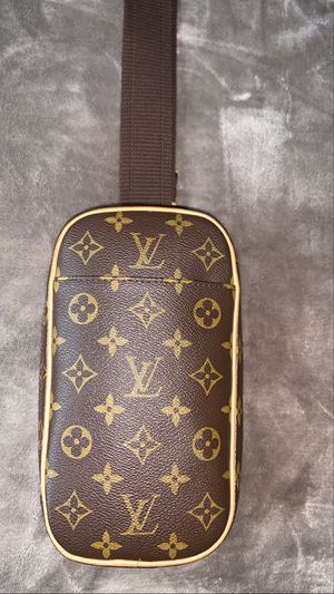 Louis Vuitton monogram pochette gange for Sale in Modesto, CA