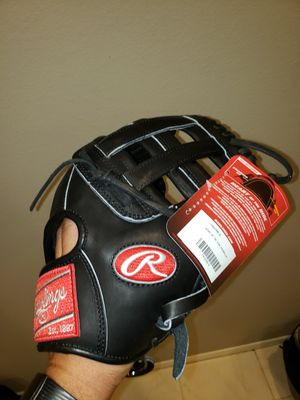Rawlings Heart of the Hide 11.5inch Baseball Glove for Sale in Riverside, CA
